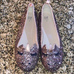Gap girl Unicorn glitter shoes size 5 (big girls)